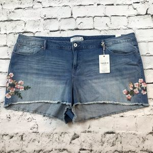 Torrid Booty Shorts Plus Sz 26 embroidery NWT